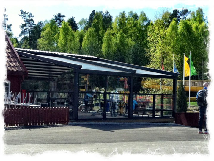 Pergola awning with Glass walls from Star Progetti
