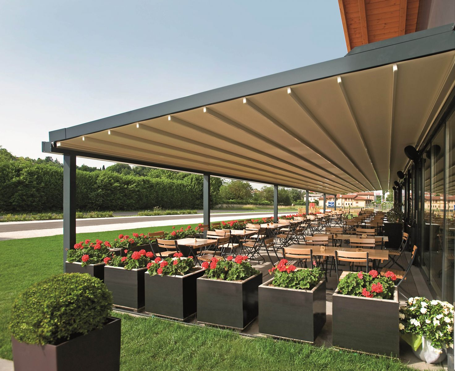 The Mito Pergola 174 In A Commercial Space Retractable Deck