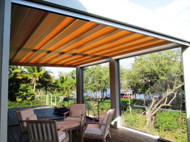Tecnic retractable roof residential structure.jpg