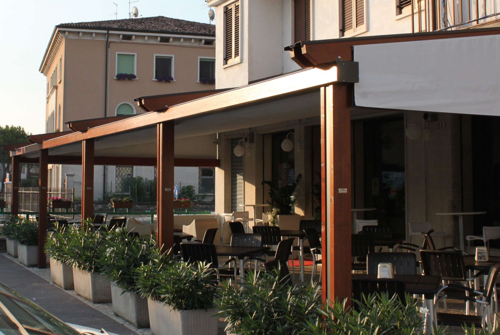 Wood Plus Sunair Pergola on Restaurant.jpg