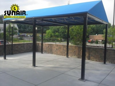 Free%20standing%20A%20frame%20canopy%20by%20Sunair.JPG