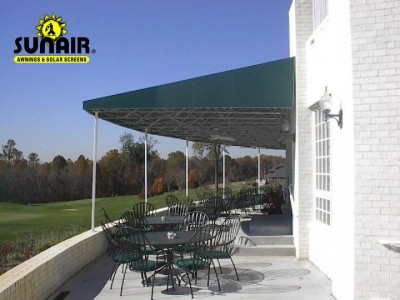 Patio%20awning%20at%20restaurant.JPG