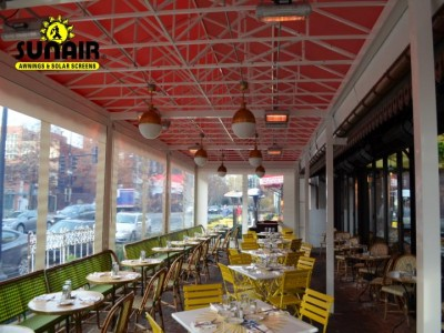 Sunair%20canopy%20with%20heaters%20and%20roll%20down%20screens%20restaurant.JPG