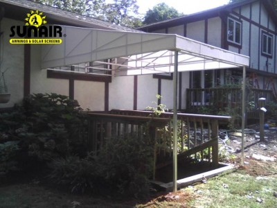 Fabric%20canopy%20over%20basement%20stairs%20by%20sunair.JPG