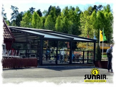 Pergola%20awning%20with%20Glass%20walls%20from%20Star%20Progetti.JPG