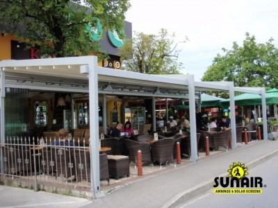 Evo%20Pergola%20awning%20at%20restaurant%20commercial.JPG