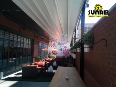 Level%20Pergola%20awning%20on%20restaurant%20in%20Washington%20DC%20%283%29.JPG