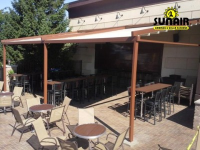 Level%20pergola%20at%20Pizza%20restaurant%20by%20Sunair.JPG