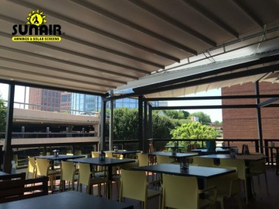Mito%20Pergola%20awnings%20on%20restaurant%20%281%29.JPG