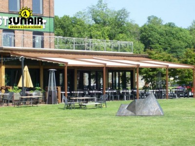 Sunair%20Level%20pergola%20on%20restaurant%20multiple%20units.JPG