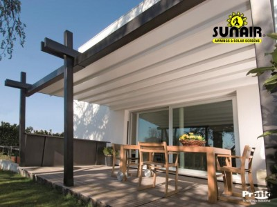 Stil%20pergola%20by%20Sunair%20on%20residence.JPG