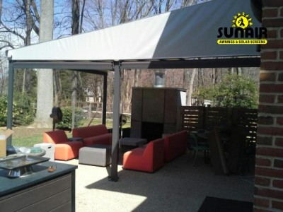 Sunair%20Pergola%20awning%20with%20side%20roll%20down%20screens.JPG