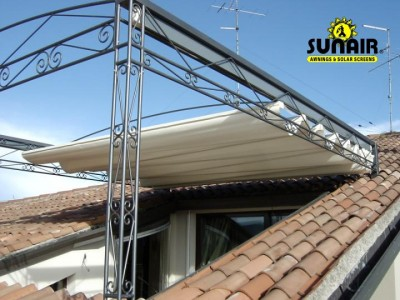 Tecnic%20Pergola%20Awning%20by%20Sunair%20on%20steel%20structure.JPG