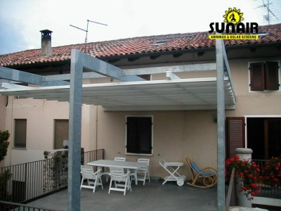 Tecnic%20Pergola%20by%20Sunair%20on%20residence.JPG