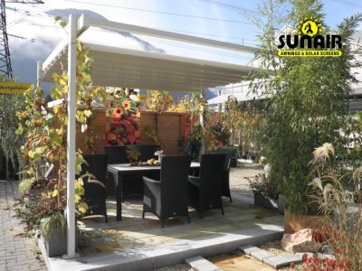 Zen%20pergola%20by%20Sunair%20on%20residence.JPG