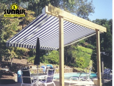 Free%20standing%20Sunair%20retractable%20awning.JPG