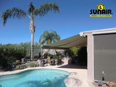Retractable%20awning%20over%20pool%20by%20Sunair.JPG