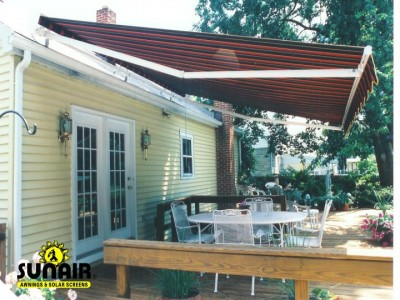 Roof%20Mounted%20awning%20by%20Sunair.JPG