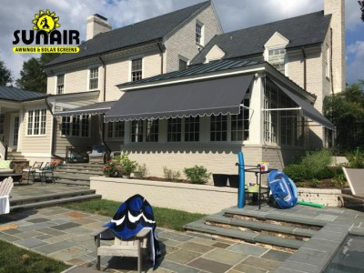 Maxi%20retractable%20window%20awnings.JPG