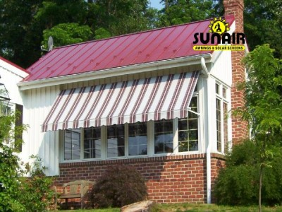 Maxi%20window%20awning%20by%20Sunair.JPG