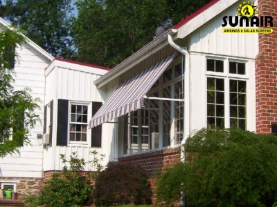 Maxi%20window%20awning%20from%20Sunair.JPG