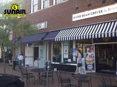 Maxi%20window%20awnings%20on%20a%20storefront.JPG