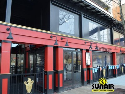 Sunair%20SC4500%20zipper%20screen%20on%20restaurant%20with%20windows.JPG